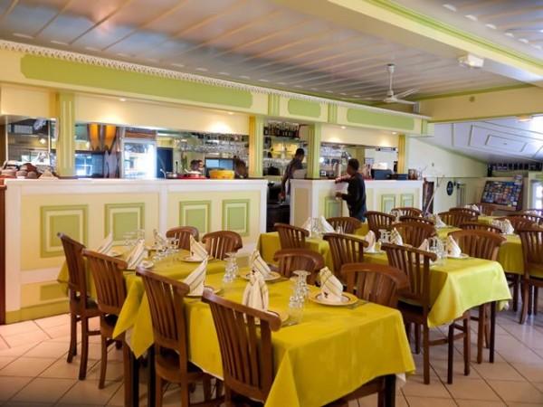 Intérieur du restaurant Le Reflet des Iles